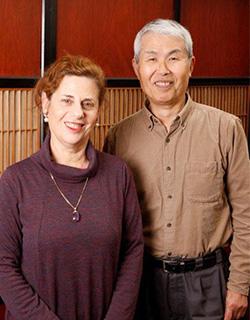 (左)奥さまのドリットさん(右)野田哲也先生